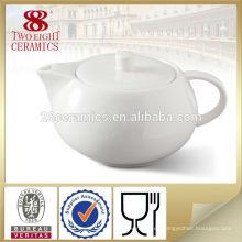 La taza de té japonesa de la botella de agua fijó la tetera de cerámica