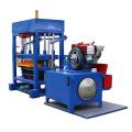 Hoher Baustein der Fliegenasche, der Maschine in Libyen herstellt