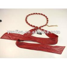 Кожаный пояс повелительницы из красной кожи