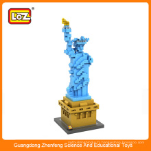 Les enfants assemblant les jouets, LOZ World architecture Statue de la Liberté Building diamond plastic building block scale model