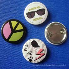 Kundenspezifischer Button-Abzeichen Netter Entwurfs-Druck-Revers-Pin (GZHY-TB-006)