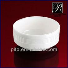 Assiette de porcelaine d'hôtel