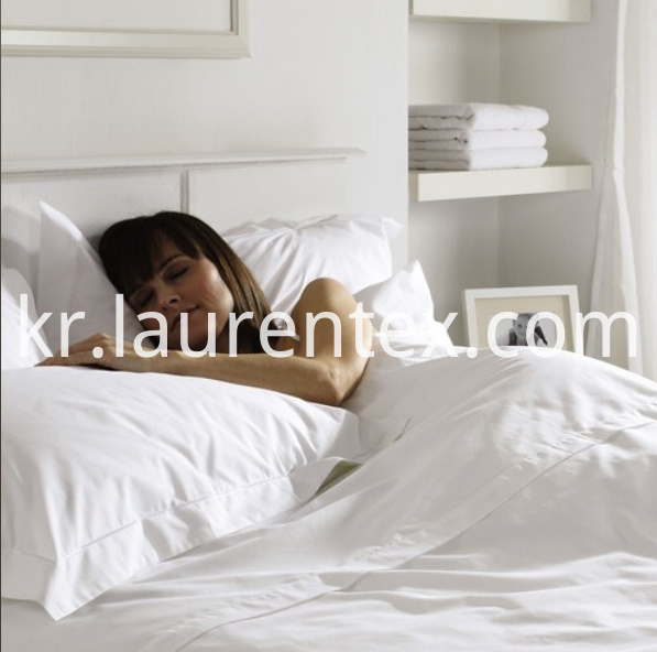white percale hotel bed linen