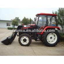 Tractor 804 com carregador frontal TZ10D