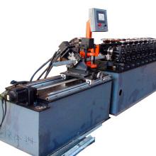 goujon de cloison sèche et rouleau de piste formant la machine