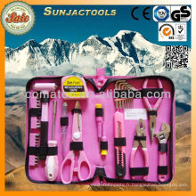 Ensemble d'outils rose