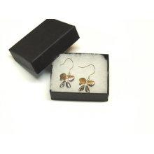 Caixa de brinco com logotipo personalizado