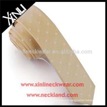 100% cravate Skinny de polyester de noeud parfait fait main pour des filles