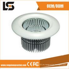 La sombra ahorro de energía de la lámpara del LED a presión la vivienda de la luz de calle del bastidor