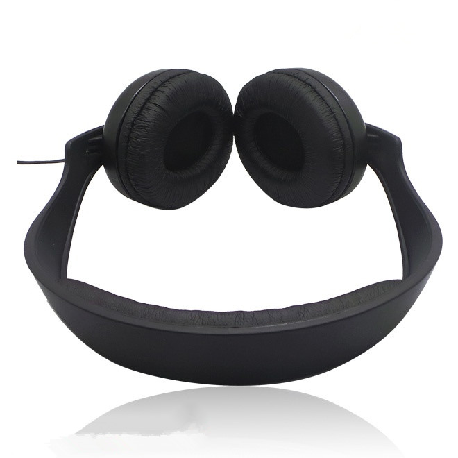 leather surface head earphone