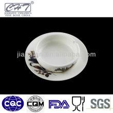 A073 Hot sale white ceramic ashtray with design