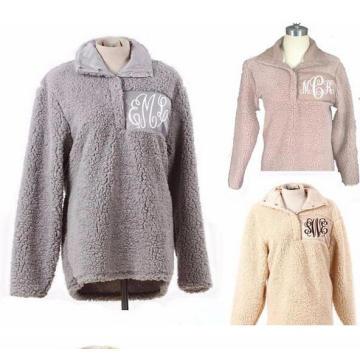 Монограмма из шерстяной шерсти Пуловер (10121)