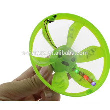 2015 flying UFO plastic toy rc helicopter with LED kids toy made in china