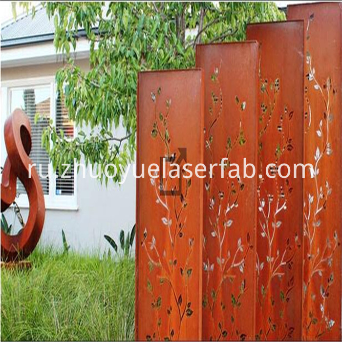 metal screen with rusty surface