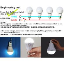 Lâmpada LED de emergência recarregável de 5W com bateria de reserva E27 B22
