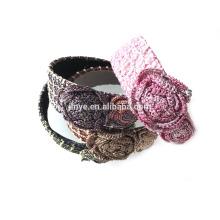 Headband de mulher de aço de flor de crochê
