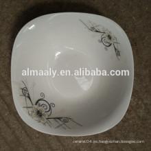 Ensaladera de cerámica de forma cuadrada