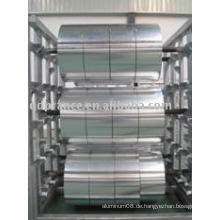Aluminiumfolie im großen Jumbo
