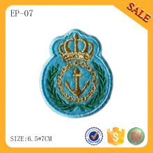 EP-07 China Custom flache Fahnenflecken Stickerei Patches Kleidungsstück Patch mit Logo