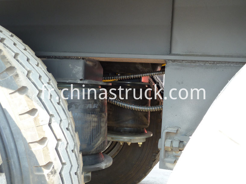Air suspension bitumen tank trailer