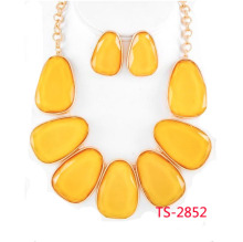 Fashion Colorful Acrylic Jewelry Set, Earrings and Necklace for Noble Women (TS-2852)