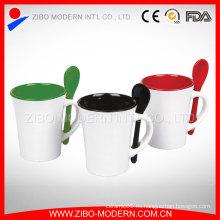 Taza de café de cerámica del esmalte del color tazas con la cuchara en manija