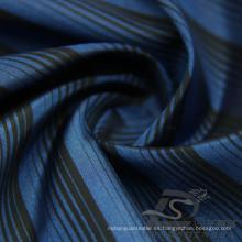 Water & Wind-Resistant Chaqueta de la moda Abajo Chaqueta Tejido Jacquard Rayado 100% Poliéster Tejido catiónico del filamento del hilado (X026)