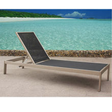 Strong and portable aluminum sun lounger, suitable for outdoor and indoor use