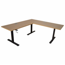 Mesa de elevação regulável em altura de pernas triplas com uso de controlador de mão em equipamento de ensino para a escola ou escritório.