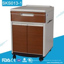 Armazenamento plástico da medicina do hospital SKS013-1 ao lado do armário