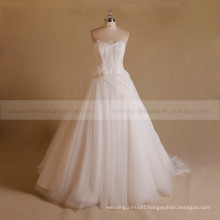 Gentle A-line Sweet Heart Lace Wedding Dress With Sweep Train Hand Made Flower