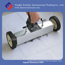 18 Inch Strong Magnetic Handle Sweeper with Release (XLJ-4605)