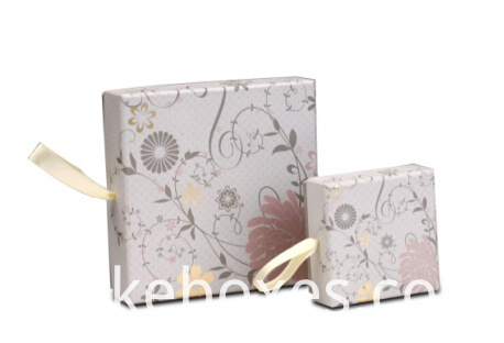 luxury lid and base paper gift box for cosmetics