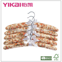 Padded hanger for clothes