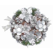 Soporte decorativo de la vela del cono del pino para la Navidad