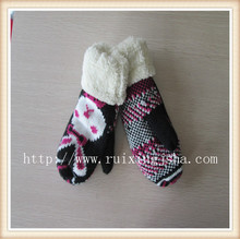 Children knitted cartoon fleece cuff  gloves