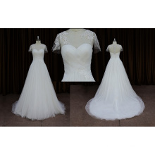 Elegante vestido de novia de encaje de manga corta