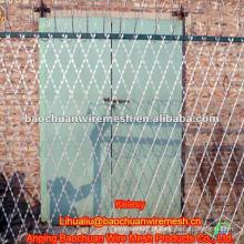 A vedação tipo de lâmina de arame farpado vedação residencial