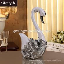 Artesanía de resina hermoso negocio de los amantes del cisne para los amigos artículos decorativos vende al por mayor las estatuillas de la decoración casera