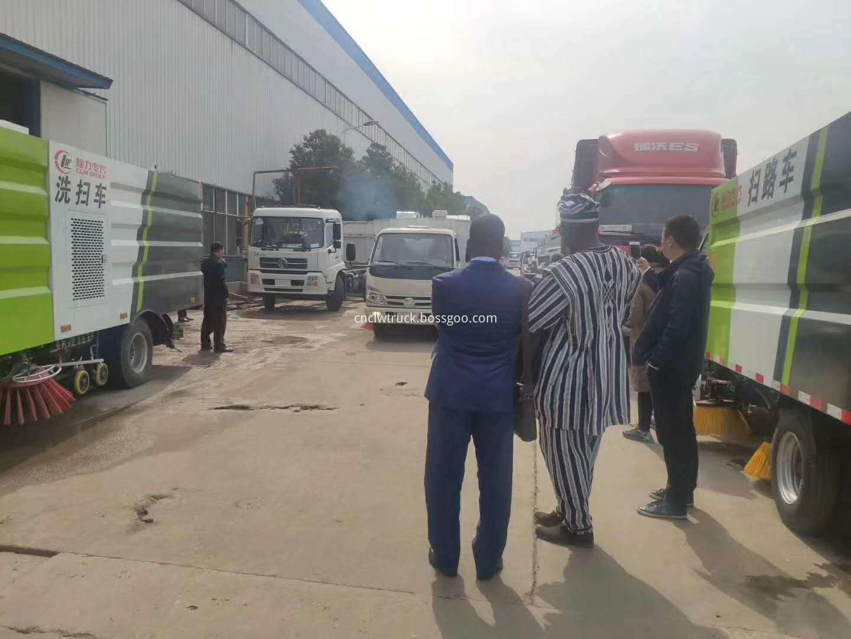 street sweep truck customer visit 4