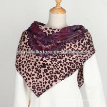 Mulheres impressão de tela Leopard Paisley lã cachecol quadrado