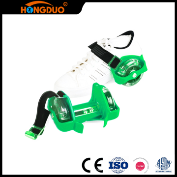Size Standard two wheel flashing skate roller shoes with led lights