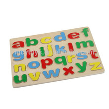 Pädagogisches hölzernes Kleinbuchstabe Alphabetpuzzlespiel für Baby-Spielzeug