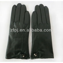leather touch screen glove for iphone