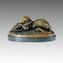 Tigre de escultura de bronce de animales devorando una estatua de latón de cocodrilo Tpal-069