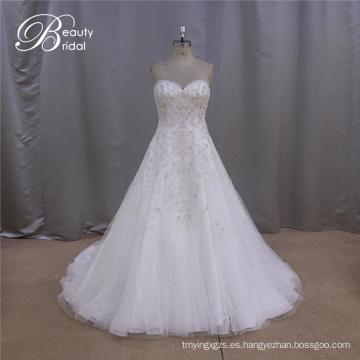 Vestidos bordados muestra una boda perfecta