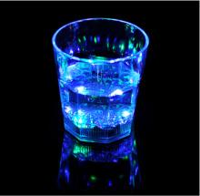 प्लास्टिक के कप गोली चश्मा नेतृत्व अलमारी चमकती नेतृत्व