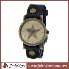 Großhandel Persönlichkeit Alloy Watch mit Lederband Uhr