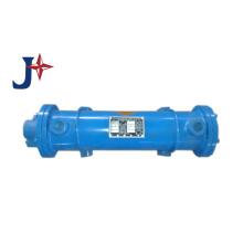 Trocador de calor de casco e tubo para condensador / evaporador e óleo para água