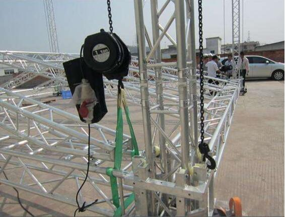 Chain hoist double bearing
